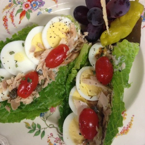 Tuna & Egg lettuce cups