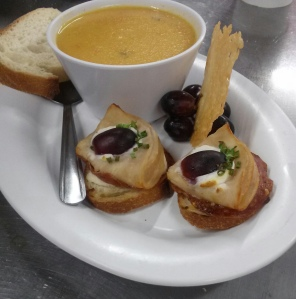 chèvre & grape canape w/ carrot soup