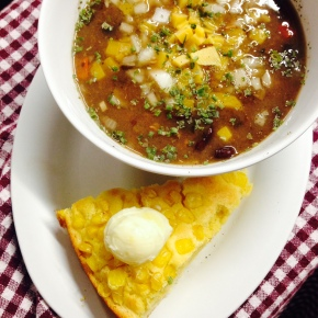 SUmmer Chili & Corn Bread
